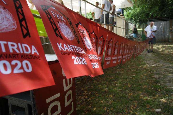 Na plaži Ploče podignute zastave EPK i FKK