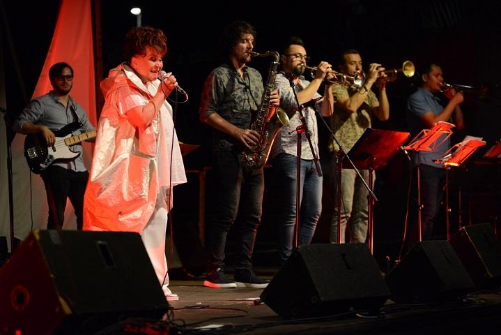 Zdenka Kovačiček & Greenhouse blues band oduševili publiku u matuljskom Amfiteatru