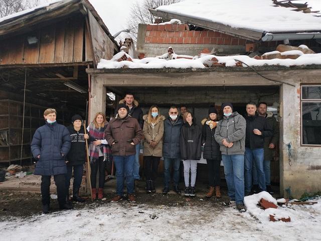 Predstavnici lošinjske Jadranka trgovine uručili donacije obiteljima stradalima u razornom potresu