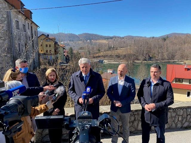 Župan Komadina sastao se u Fužinama s predstavnicima novoosnovane TZ Gorskog kotara i najavio partnerstvo u kreiranju novih turističkih proizvoda